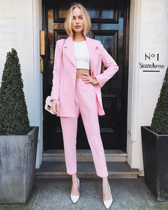 How to Wear a Pink Suit
