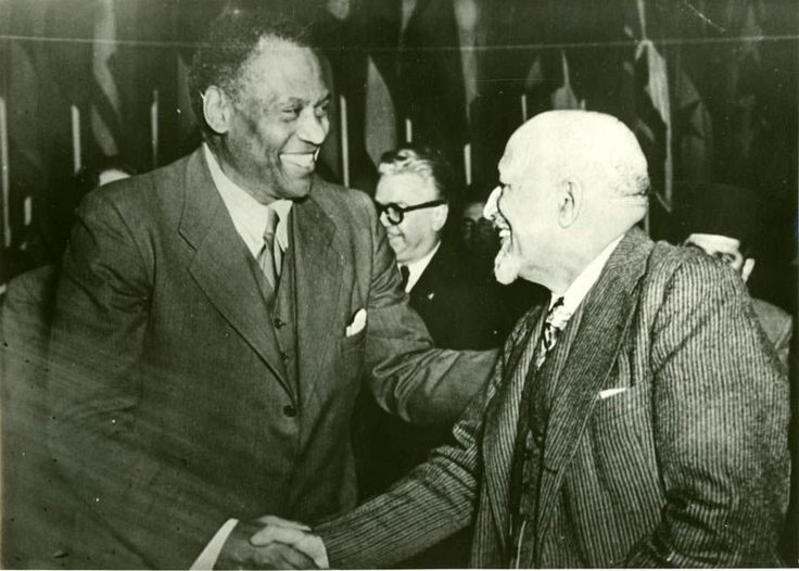 web dubois   Two Alpha Men, Paul Robeson and W. E. B. Du Bois. This also speaks of Andrew Carnegie's contribution to supporting Booker T. Washington's Institute.