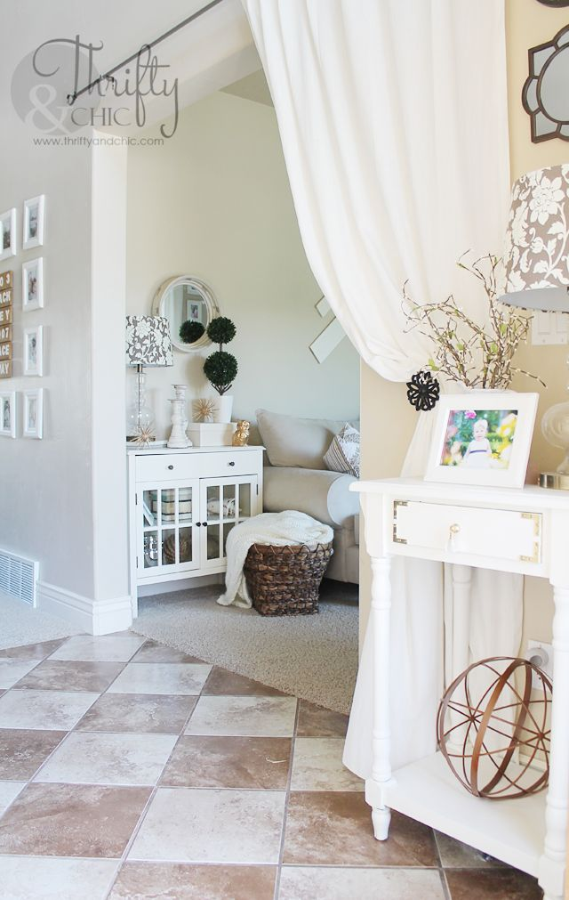 Cute Entry Way Idea From Summer House Tour With Thrifty