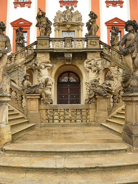 Baroque architecture at Troja Palace / Czech Republic (by jidhash).
