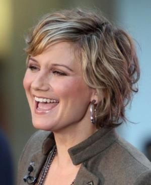 short haircuts for round faces and wavy hair - Google Search