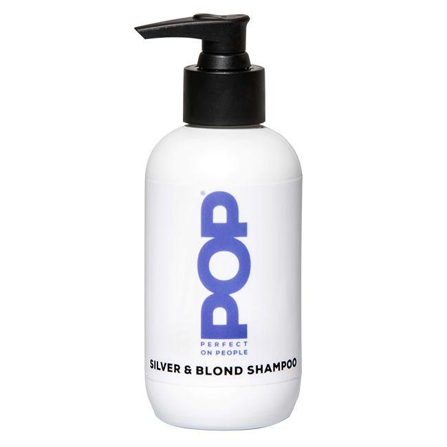 Deze shampoo is een verzorgende shampoo met zeer intensieve violet kleurpigmenten om de goud/gele gloed uit het haar te verwijderen. Geeft het haar een enorme vitamine boost, voor een stralende frisse haarkleur. Tip: meng de shampoo met de Red Shampoo voor een mooi abrikoos karakter.