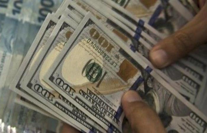 اخبار الاقتصاد السوداني علي أبرسي الحكومة خربت بيتها بيدها لم يقدروا يسيطروا على الدولار ولا يستطيعون Money Us Dollars Dollar