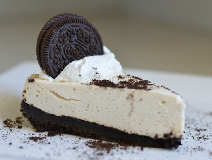 This Oreo Cookie Cheesecake is delicious and the best part is that you don't even have to bake it!