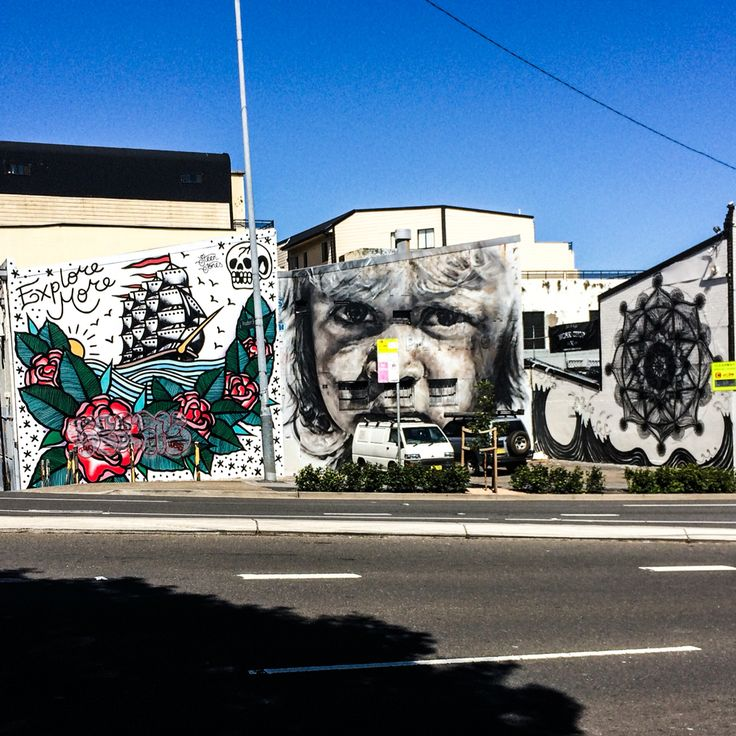 Murals on Cleveland st. Sydney.
