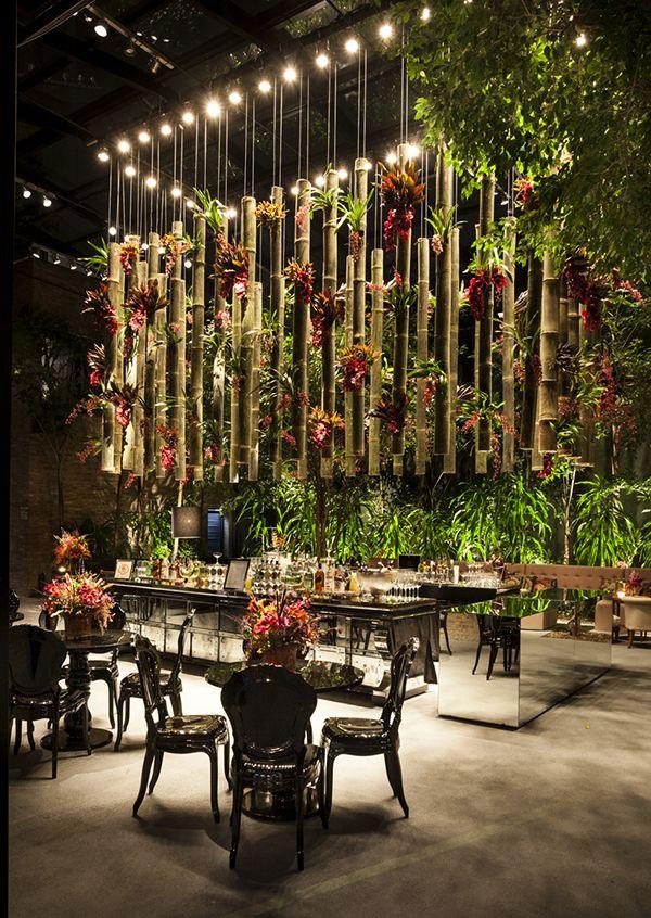 Fernanda e Rodrigo tiveram um lindo casamento em São Paulo.A cerimônia aconteceu no Mosteiro de São Bento e foi seguida de uma festa animadíssima no Conte