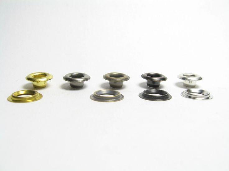 Oczko samowycinające, średnica wewn.4,5mm ;wysokość 4,5mm; występuje w wersji z blachy mosiężnej (nierdzewne). Możliwe różne powłoki galwaniczne.
