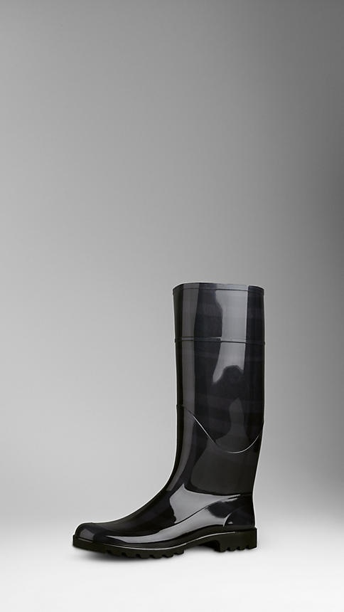 Burberry - BEAT CHECK RAIN BOOT definitely getting this boots for the winter.