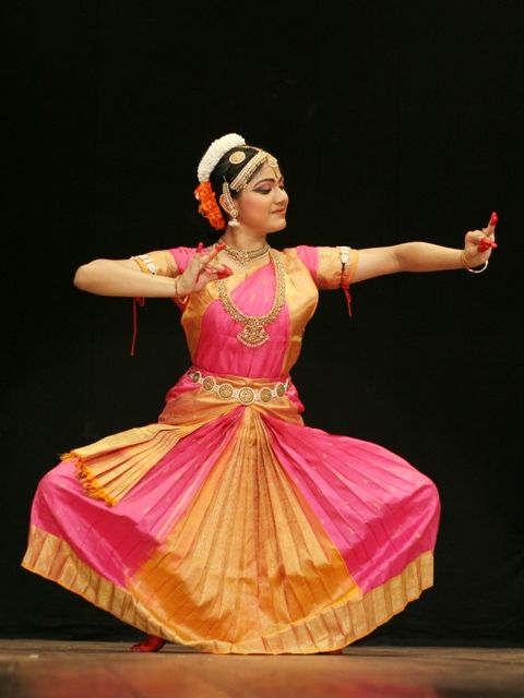 Bharatanatyam, a popular classical dance form of Tamil Nadu, India... #ClassicalIndianDance