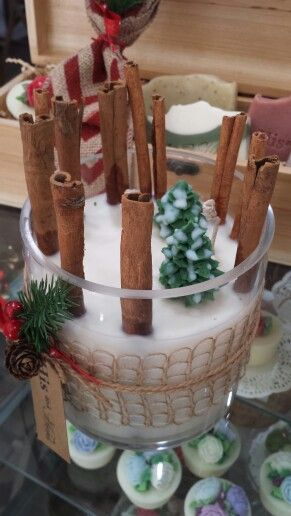 White Christmas scents with Cinnamon sticks in soy wax candle