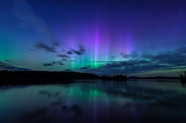 Northern Lights Shine Above Moosehead Lake, Maine, In Five-Hour Time-Lapse | IFLScience