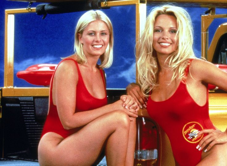 Nicole Eggert and Pamela Anderson on the set of Baywatch in 1992