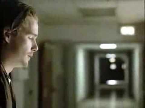 Seqüência na íntegra de Reality Bites (1994), com a cena final de Lelaina (Winona Ryder) e Troy (Ethan Hawke), ao som de All I want is you (U2).