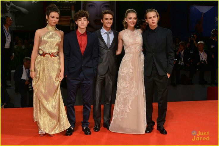 The Alex and Co cast on the red carpet