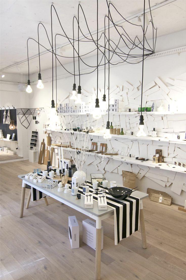 25 beste idee n over winkel interieur op pinterest for Interieur decoratie winkels