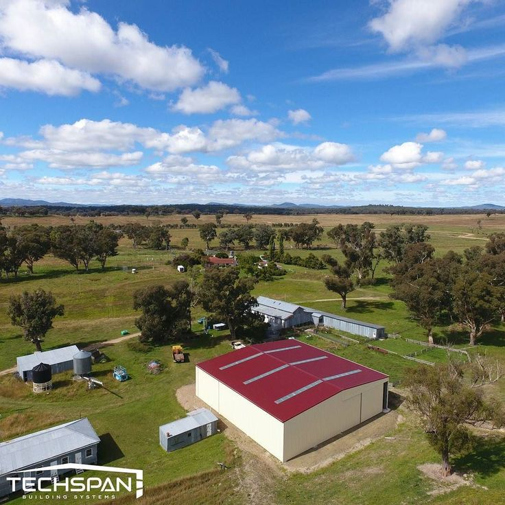 Large farm shed we built just outside of Armidale NSW #armidale #armidalensw #nsw #farmshed #industrialshed  #commercialrealestate  #commercialproperty #farmlife #farms #farming #farmers #rural #techspanbuildings #farm #agriculture #farmer #countrylife #countryliving #country #countryside