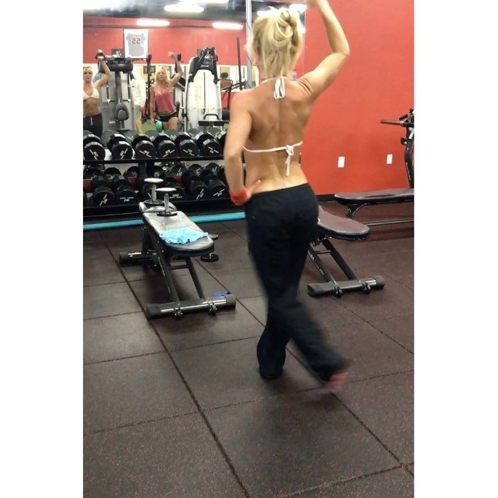 Britney Spears Shows off Her Sculpted Body in This Fitspo-Worthy Bikini Workout