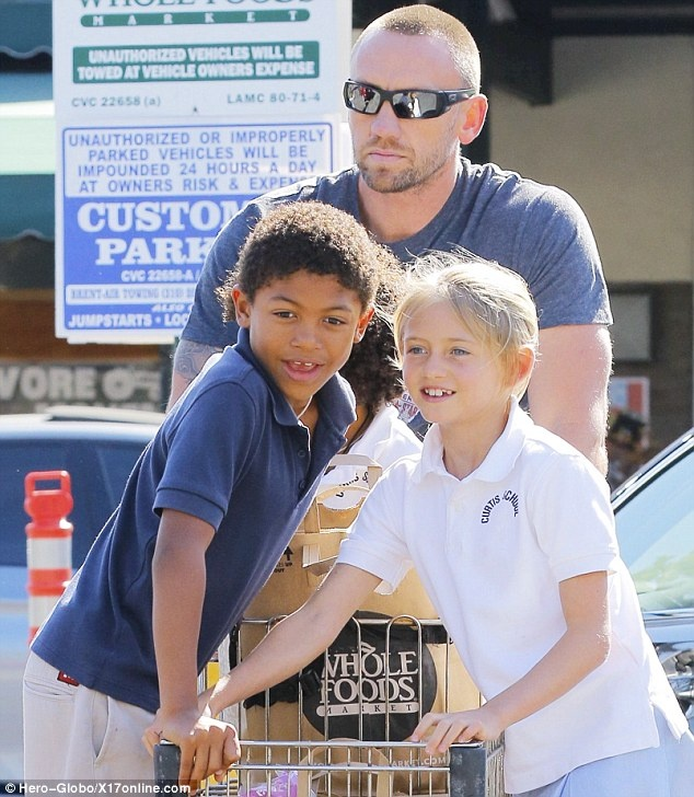 Martin Kristen made sure to delight his superstar girlfriend Heidi Klum's children, Leni, nine, Henry, seven, and Johan, six, as they ran errands at their local Whole Foods store on Tuesday.      Read more: http://www.dailymail.co.uk/tvshowbiz/article-2336205/Heidi-Klums-kids-beam-delight-Martin-Kristen-treats-ride-shopping-trolley.html#ixzz2VMWEgzMq   Follow us: @MailOnline on Twitter | DailyMail on Facebook