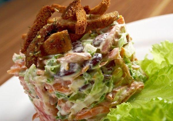 Салат из консервированной фасоли: рецепты