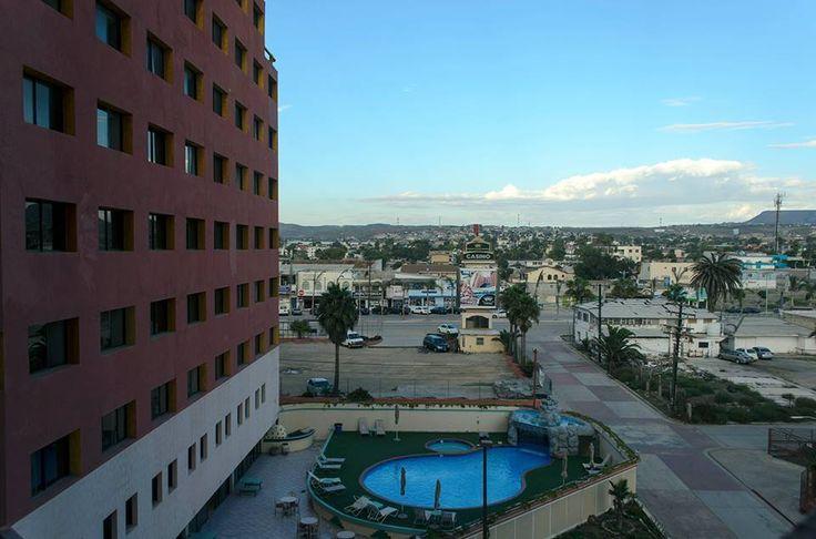 #Rosarito tiene diferentes opciones para que te hospedes en la ciudad, como Hotel Corona Plaza que se encuentra a solo unas calles de la playa ¡Ven y conócelo! Descubre más visitando www.rosarito.org