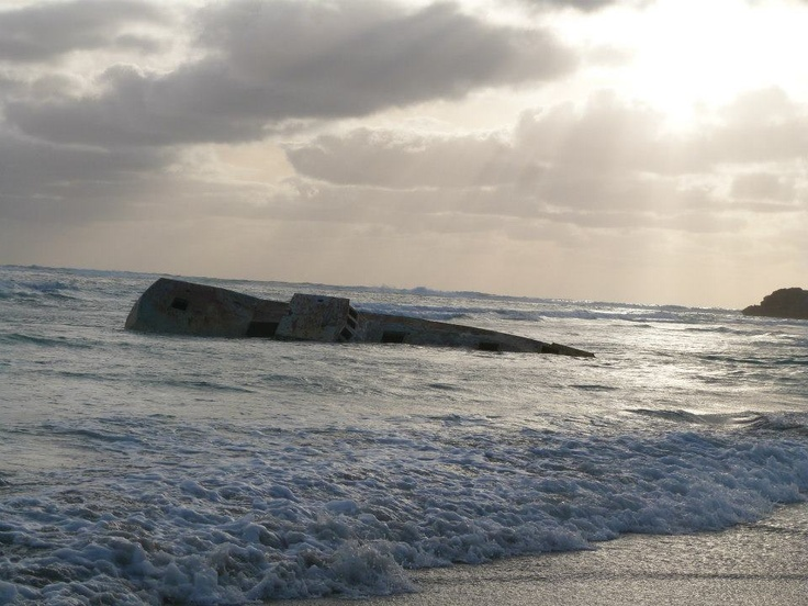 Shipwreck at the rocks!!