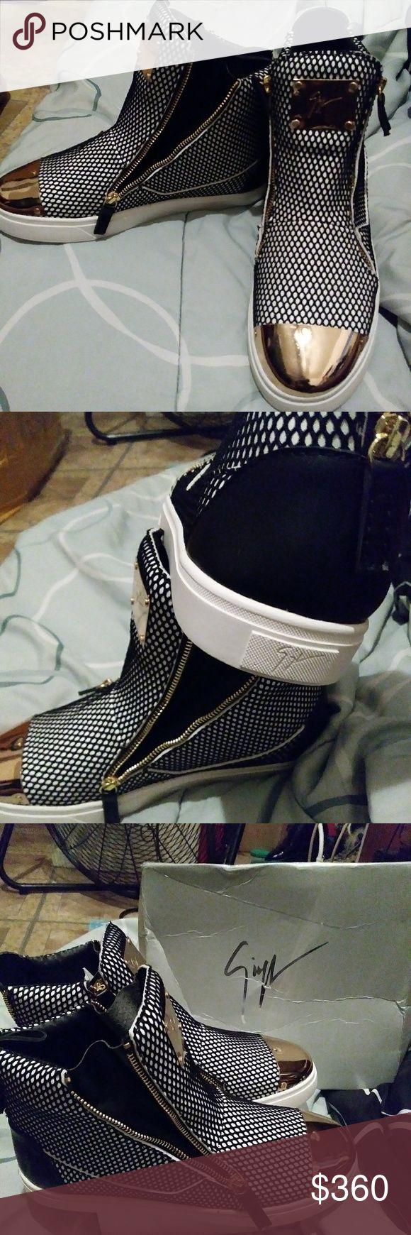 Giuseppe zanotti. In box dust bag, exclusive Giuseppe zanotti men fashion shoes 41( 8.5)  maybe would fit like a 9 Giuseppe Zanotti Shoes Sneakers