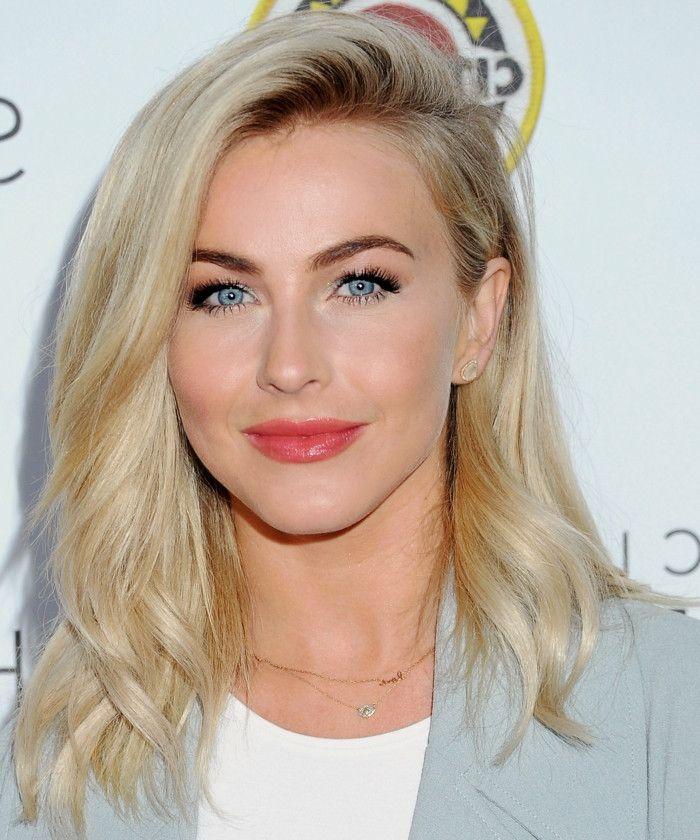 Blaue augen und blonde haare
