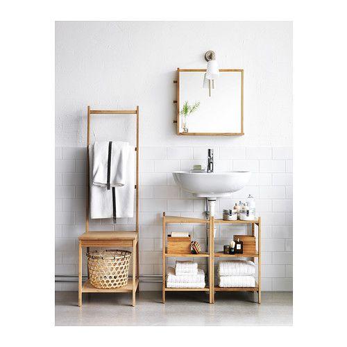 RÅGRUND Specchio IKEA I pomelli laterali sono pratici per appendere i gioielli. Il bambù è un materiale naturale resistente.