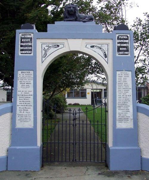 Wallacetown School Memorial Gates - Historypin | Walking with an Anzac