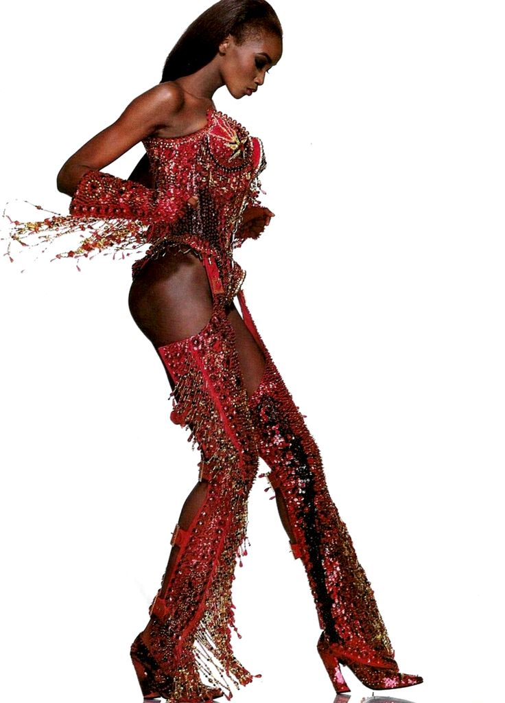 madamedevereshideaway:    We always hang in a buffalo stance  Thierry Mugler 1992 photographer unkown