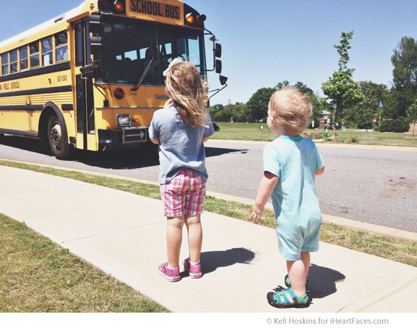 Fun Back to School Photo Ideas - photo by Keli Hoskins of Kidnapped by Suburbia via iHeartFaces.com