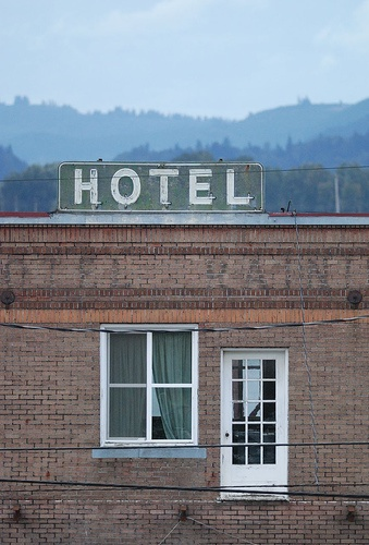 Hotel With No Steps From Route 30 Rainier Oregon