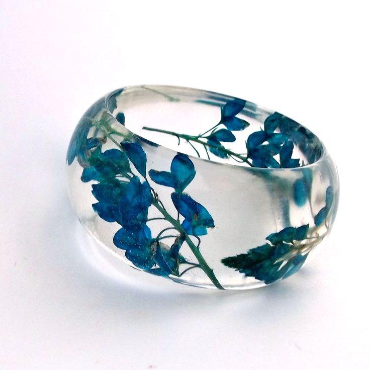 Pressed flower resin bracelet $44.00, via Etsy.: Modern Chunky, Handmade Modern, Contemporary Jewelry, Chunky Bracelets, Resins Bracelets, Botanical Statement, Statement Bangles, Blue Contemporary, Flowers Resins