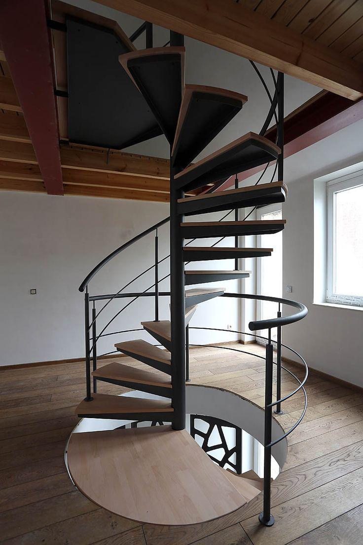 escalier helicoidal deux etages