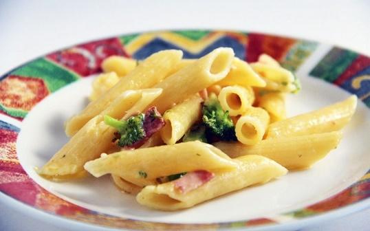 Penne Alfredo - Slinky GuidePenne Alfredo, Food Cooking Ideas, Slinky Guide, Broccoli, Foodcook Ideas, Desserts Appetizers, Savory Recipe, Favorite Recipe, Penne Pasta