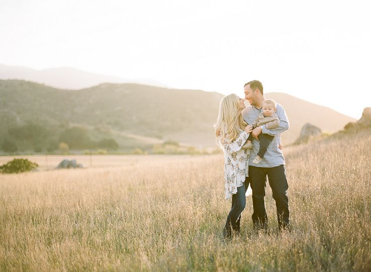 Gorgeous Family Session in the Hills of San Diego County   The Little Umbrella