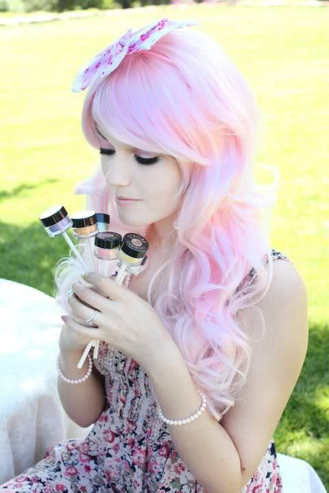 Love pink cotton candy hair <3