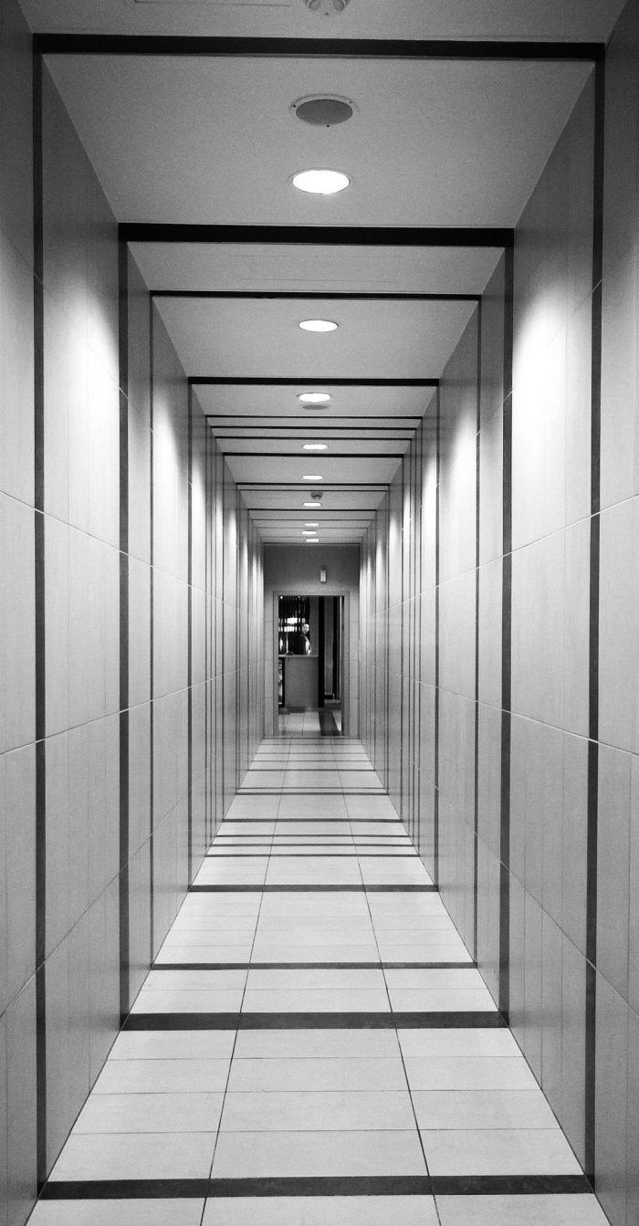 Photo Noir Et Blanc Design couloir noir et blanc : 5 idées pour créer la surprise