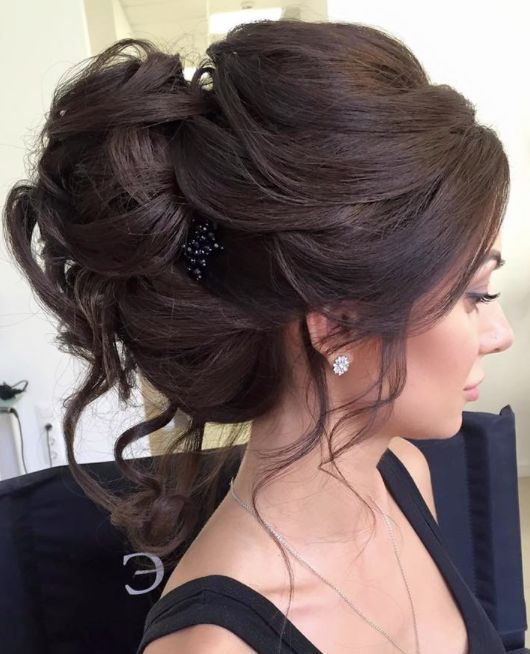 Elstile wedding hairstyles for long hair 7 - Deer Pearl Flowers / http://www.deerpearlflowers.com/wedding-hairstyle-inspiration/elstile-wedding-hairstyles-for-long-hair-7/