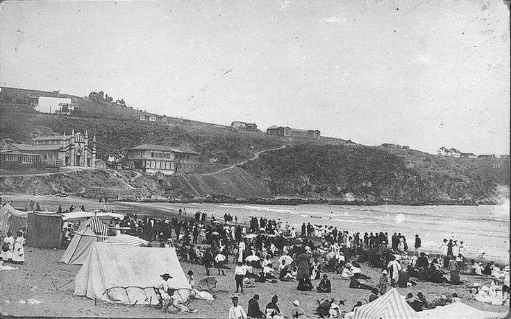 Playa Chica de Cartagena en 1918. Este balneario tuvo en gran esplendor entre los años 1890 y 1930 cuando era destino obligado de la elite santiaguina