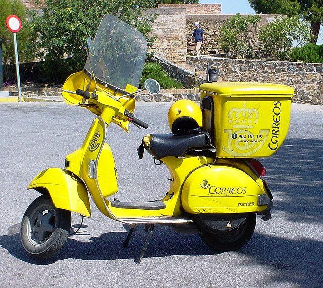 Vespa-Correos - mail delivery