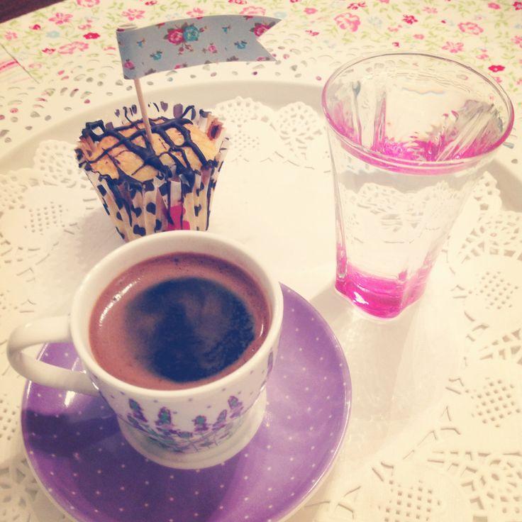 Turkish coffee with vanilla cupcake