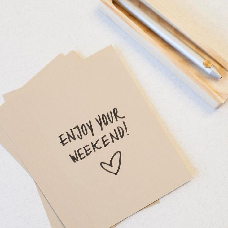 You know the exact moment when you feel it's time to take a break and just enjoy your day? Have a nice weekend  #woodd #weekend #madeinitaly