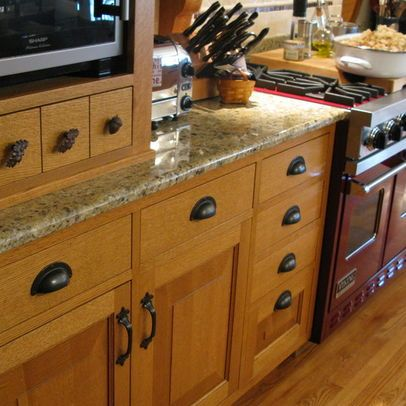 Black Hardware On Honey Oak Kitchen Cabinets