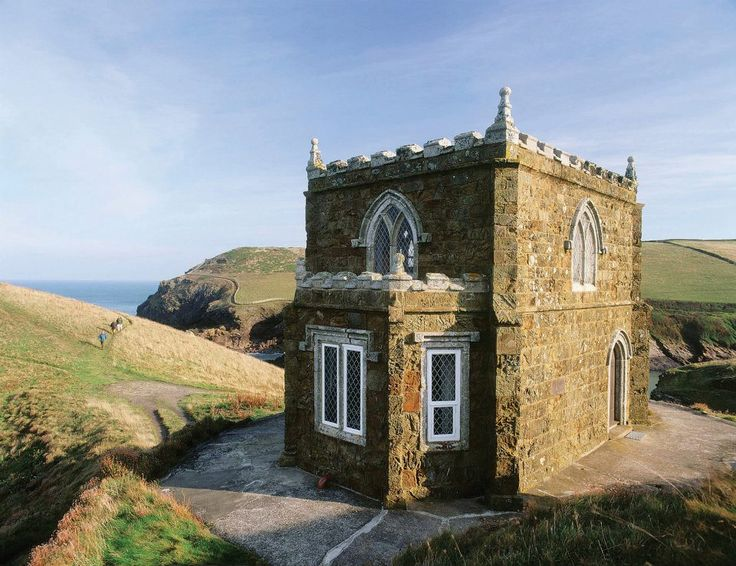 Doyden Castle, Port Isaac, Cornwall....is this where last episode of Doc Martin was filmed?  Windows seem whiter.