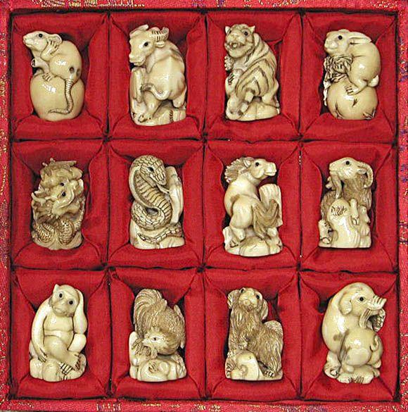 Mezinárodní Umění a řemesla - Hippo řezbářské práce mamuta a hroch řezbami ze slonoviny, netsuke, šperky