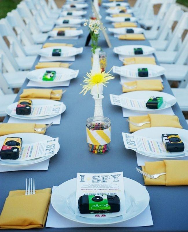 Geweldig: alle kids een wegwerpcamera en een spion brief: wie maakt de spannendste foto op jullie huwelijksfeest?
