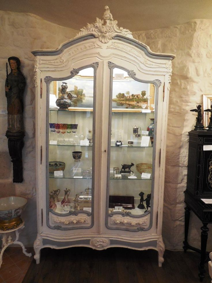 Armoire vitrine rocaille furniture pinterest for Meuble mural vitrine