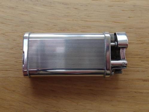 Vintage zilveren dunhill aansteker. Werkend doch meer dan 10 jaar niet gebruikt. Hiervoor nagekeken en geserviced door dunhill boutique parijs.