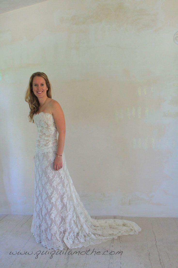 Robe de mariée en dentelle de Calais simple glamour.  Robes de ...